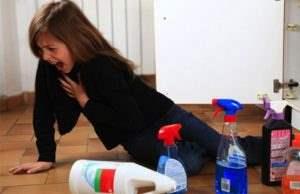 علائم مسمومیت کودکان با مواد شوینده (2)