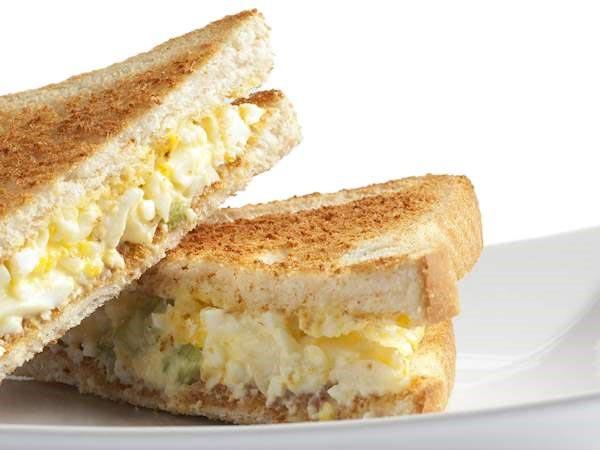 ساندویچ مک الویه مرغ نامی نو در کارتن 16 عددی