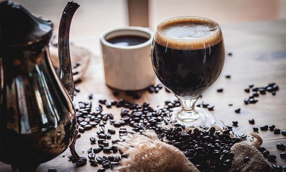 دلستر پت شیشهای 320 میلیلیتری ایستک با طعم قهوه در بسته بندی 12 عددی