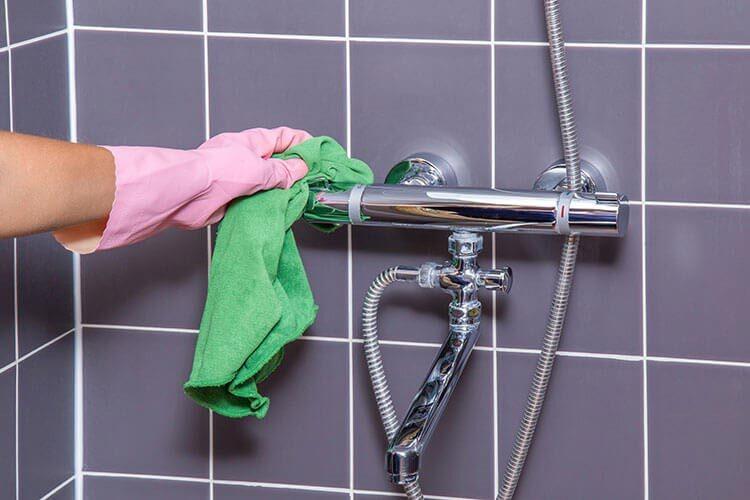 پاک کننده حمام 700 میلی لیتری اکتیو در کارتن 12 عددی