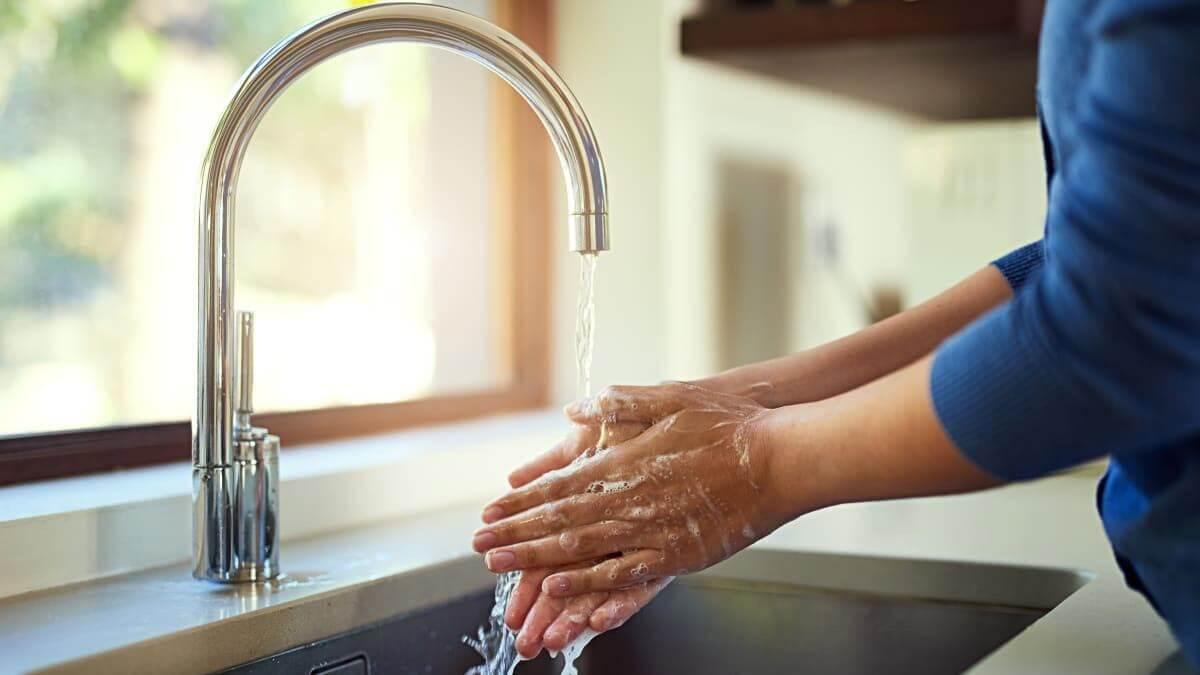 مایع دستشویی شفاف آبی 450 گرمی اکتیو در کارتن 12 عددی