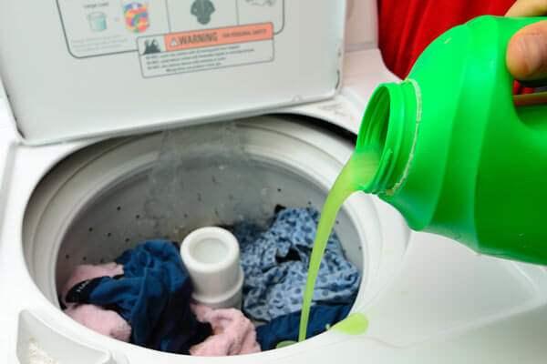 مزایا و معایب مایع لباسشویی