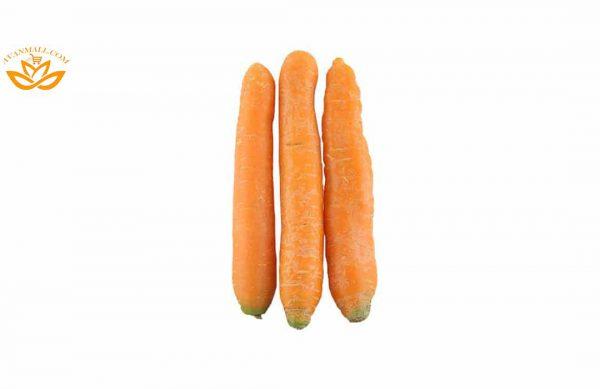 هویج در سبد 10 کیلوگرمی
